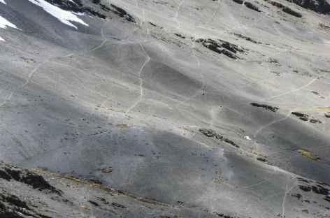 Les paysages lunaires près du col Condor Tucu - Pérou -