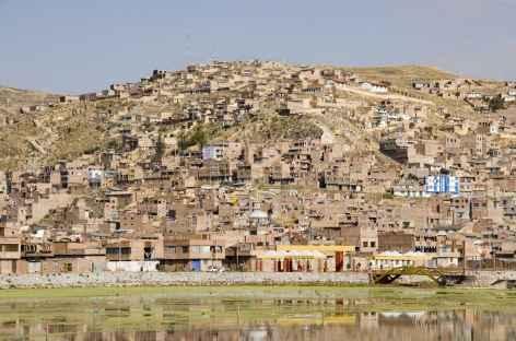 La ville de Puno au bord du lac Titicaca - Pérou -
