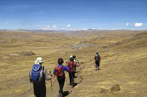 Descente finale vers le village de Phinaya - Pérou -