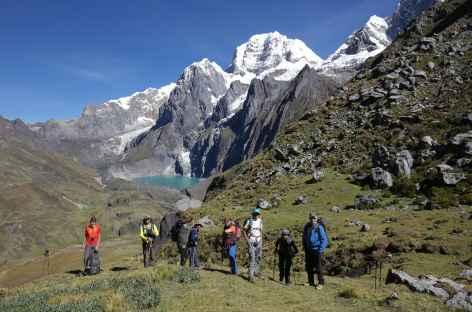 Descente vers la lagune Carhuacocha - Pérou -