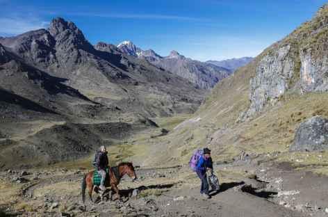 Montée vers les alpages de Huatiaq - Pérou -