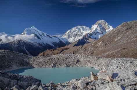 Vue sur les Huascaran Nord (6655 m) et Sud (6768 m) et le Chopicalqui (6354 m) - Pérou -