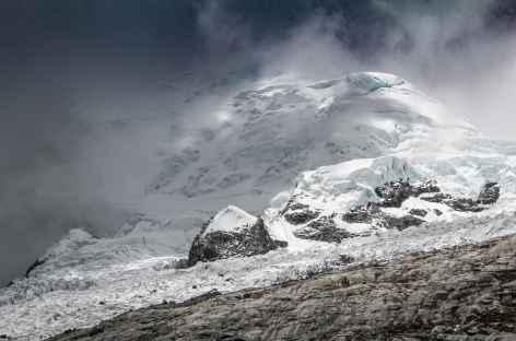 Le Huascaran caché dans les brumes depuis le refuge - Pérou -