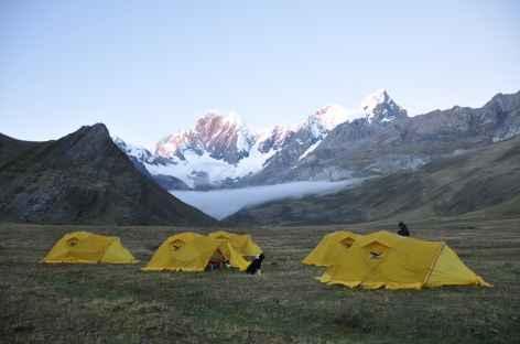 Camp dans les parages de la lagune Mitucocha - Pérou -