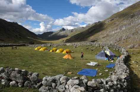 Camp dans le hameau d'alpage de Huayhuash - Pérou -