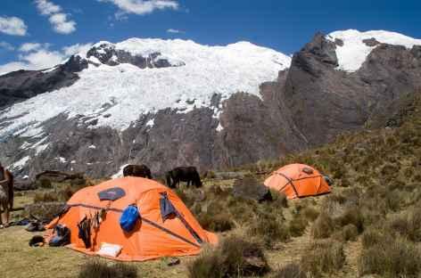 Le camp mirador face au Nevado Contrahierbas (6036 m) - Pérou -