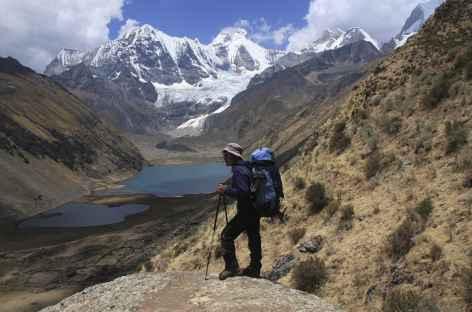 Pause face aux lagunes Jahuacocha - Cordillère Huayhuash - Pérou -