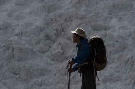 Pause face au glacier du Palcaraju - Pérou -