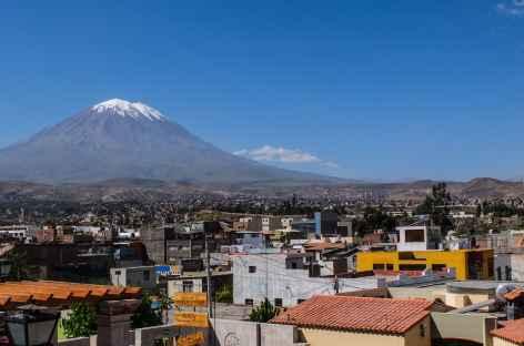 Arequipa dominé par le volcan Misti (5822 m) - Pérou -