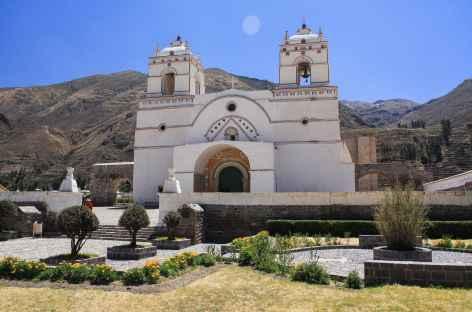 Eglise coloniale dans le canyon de Colca - Pérou -