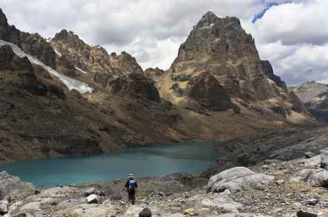Ambiance minérale face au Puscanturpa (5652 m) - Pérou -