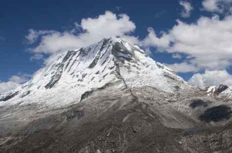 Vue sur le Ranrapalca depuis le col Choco - Pérou -