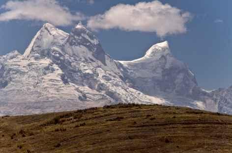 Les sommes des Huandoy depuis la Cordillère Noire - Pérou -