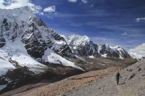 Enfilade de sommets au col Jampa - Pérou -