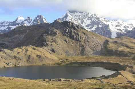 Descente vers la lagune Comercocha - Pérou -