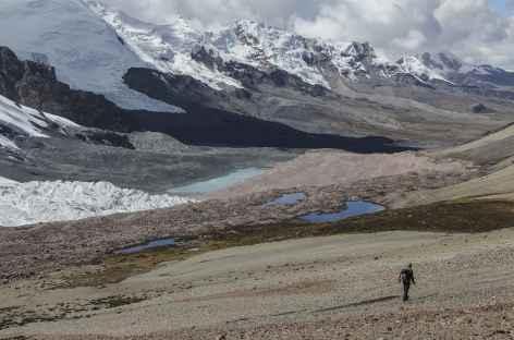 Descente dans la vallée de la lagune Ccascana - Pérou -