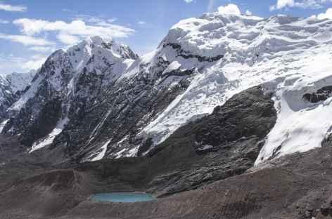 Les sommets des Pico Tres et la lagune Osjollo Ananta - Pérou -
