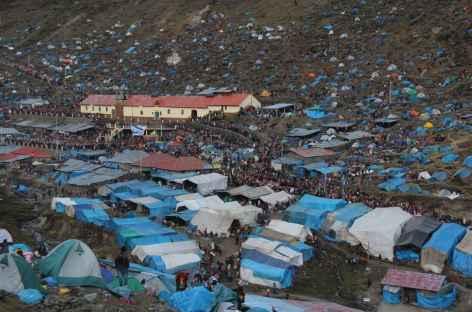 Hallucinant village de tentes pour la fête de Qollurity - Pérou -