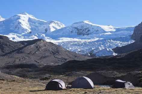 Camp face aux  nevados Chumpe - Pérou -
