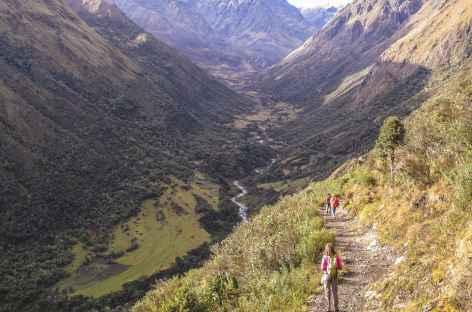 Descente dans la vallee du rio Racachaca -