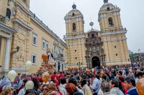 Une fête religieuse à Lima - Pérou -
