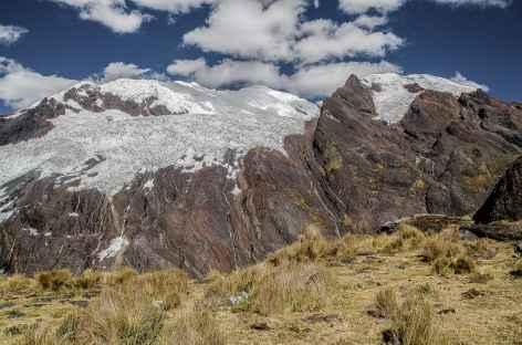 Vue sur le Contrahierbas - Pérou -