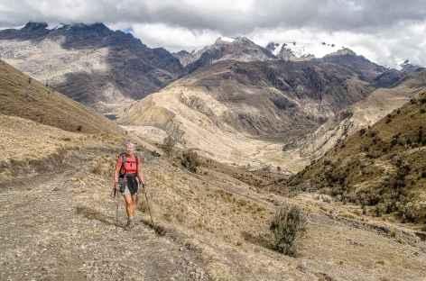 Marche vers la lagune Huecrucocha - Pérou -