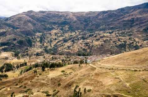 Descente sur le village de Chacas - Pérou -