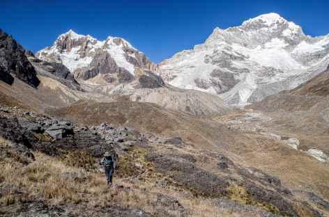 Marche vers l'ancien camp de base de l'Alpamayo - Pérou -