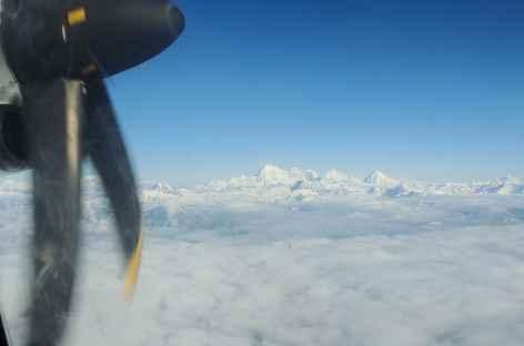 Vol pour le Bhoutan le long de la chaîne de l'Himalaya - Bhoutan  -