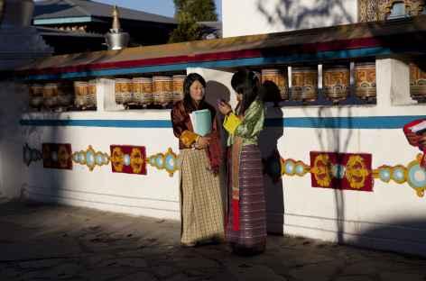 Discussion à Khaling - Bhoutan -