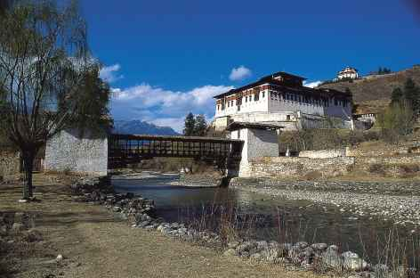 Vieux pont sur la rivière Parochu - Bhoutan -