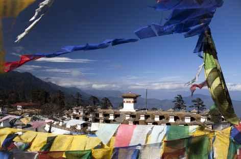 Le col du Dochu La à 3050, un belvédère panoramique sur les hauts sommets du Bhoutan -