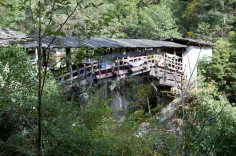 Route pour l'ancien Dzong de Tashiyangtse -