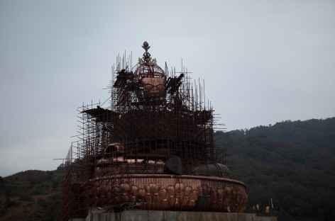 Statue de Guru Rinpoché au dessus de Takila -