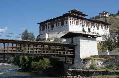 Ancien pont de bois sous le dzong de Paro - Bhoutan -
