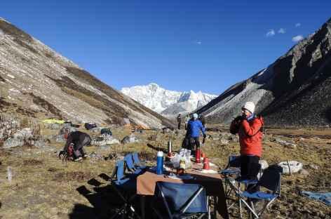 Petit déjeuner au soleil  - Bhoutan -