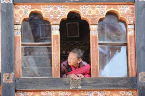 Curieux au Dzong - Bhoutan -
