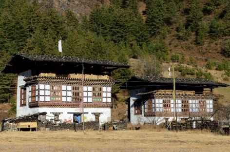 Maisons traditionnelles dans la vallée de Haa - Bhoutan -