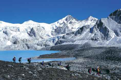 Trek le long d'un lac, Lunana - Bhoutan -