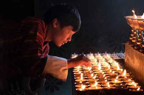 Offrande de lampes à beurre - Bhoutan -
