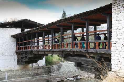 Pont du dzong de Paro-Bhoutan -