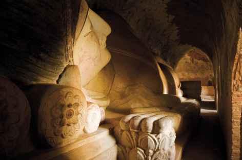 Bouddha couché de la pagode Manuha - Pagan - Birmanie -