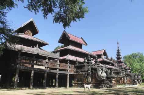 Monastère de teck - Salay - Birmanie -