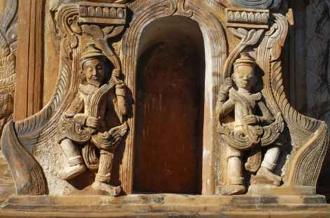 Sculptures sur le site de Shwe Inn Thein - Birmanie -