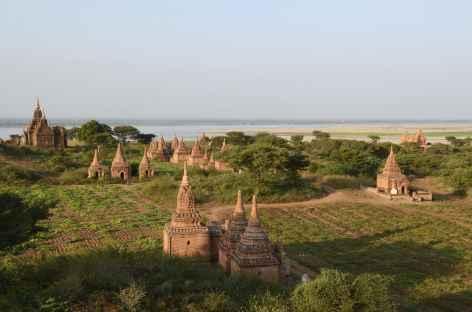 Pagodes le long du fleuve Irrawady - Birmanie -