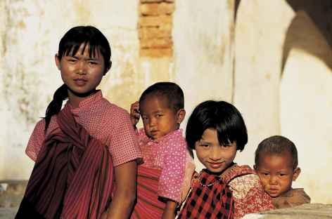 Jeunes enfants birmans - Birmanie -