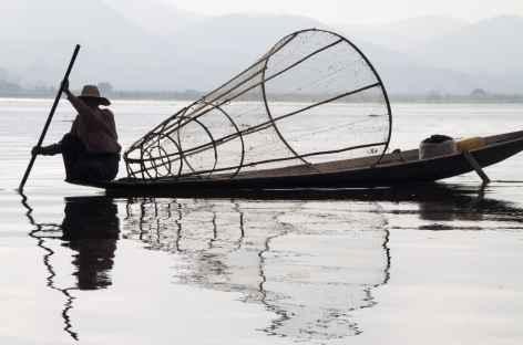 Pêcheur sur le lac Inle Birmanie -