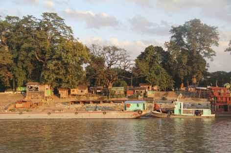 Sur les berges de l'Irrawady - Birmanie -