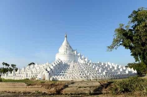 Mingun, la grand stupa blanc de Hsinbyune - Birmanie -